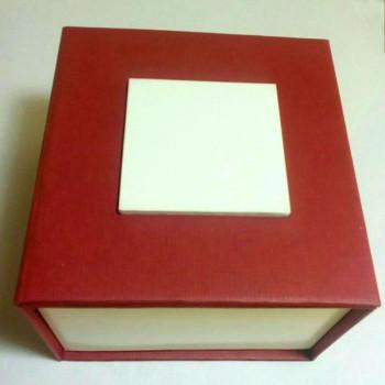 Коробка для часов Present box-with-pad-red